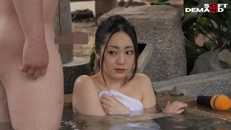 タオル1枚温泉リポート中に、一般客とこっそり性交してもらいました。 元地方局アナウンサー ちはや(25) 14枚目