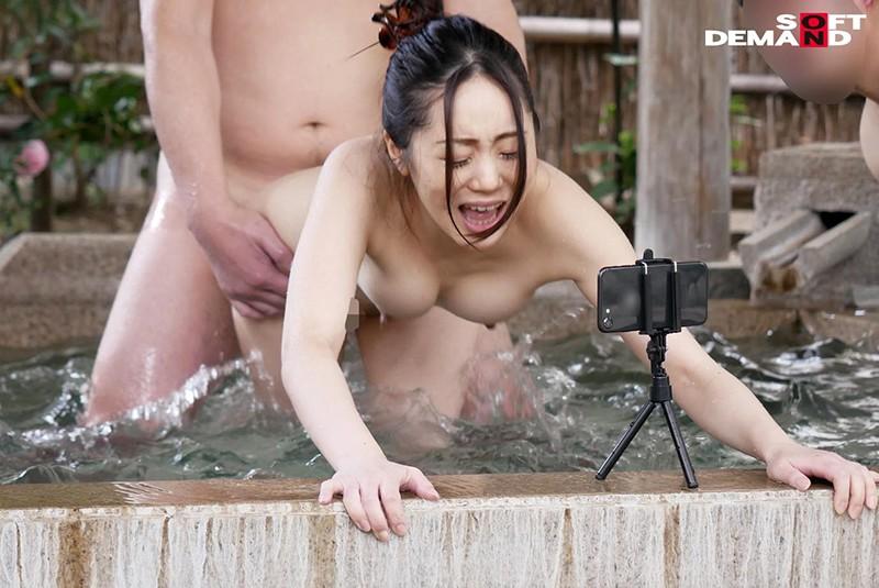 タオル1枚温泉リポート中に、一般客とこっそり性交してもらいました。 元地方局アナウンサー ちはや(25) 3枚目