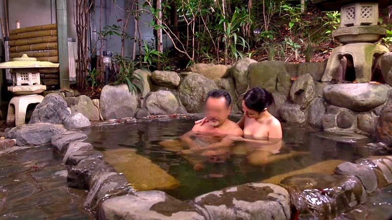 中出し性交付き混浴巨乳マダムの宿 画像13