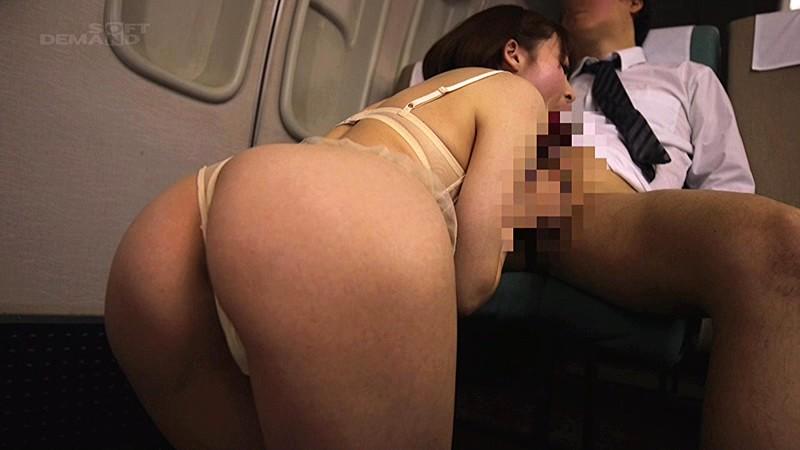 「制服・下着・全裸」でおもてなし またがりオマ○コ航空 8 色白モチモチ極上ヒップで、お客様支持率ナンバー1の客室乗務員 本田岬 9枚目