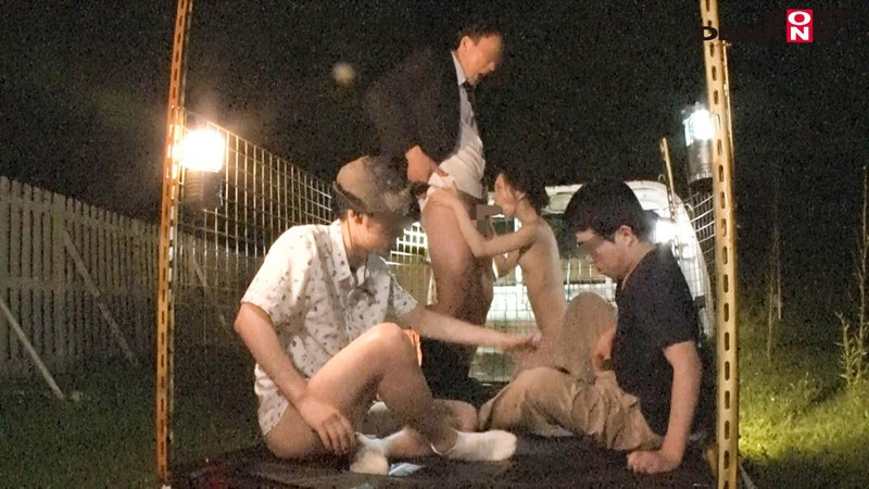 潜入! メス獣ナイトサファリ ―男性器をヴァギナで喰らうケモノに襲われる恐怖パニック映像― 画像18