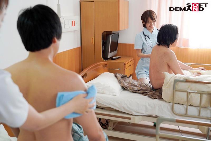 患者の手を離さない密着騎乗位セックス治療 密着取材3日間 性交クリニック 看護師 吉良りん キャプチャー画像 5枚目