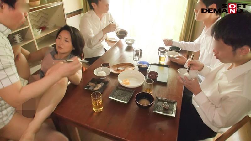 炊事・洗濯・性欲処理 10人息子と連続セックス朝生活 綾瀬麻衣子(48)4