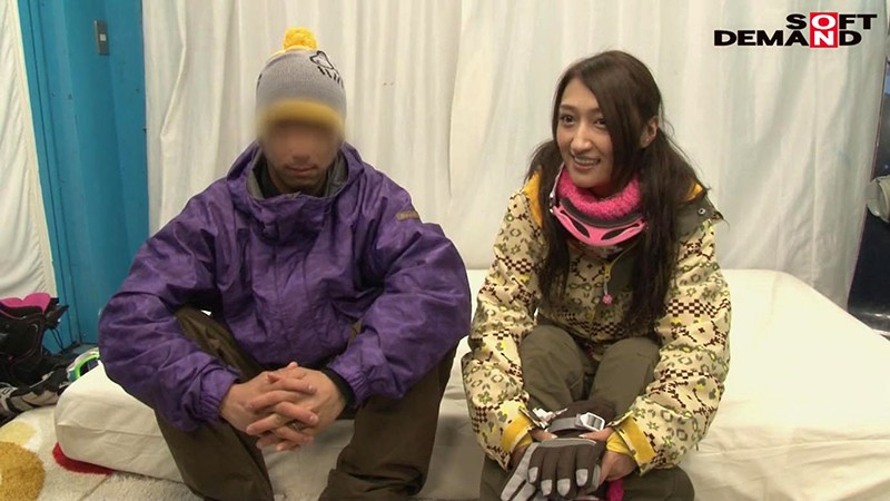 「カップル限定」マジックミラー号の中で、自慢の彼女を「寝とって」真正中出し! ユミさん(25)ガス会社受付 画像2