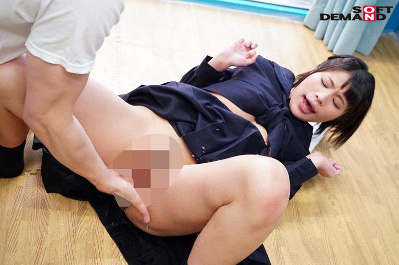 マジックミラー号 初めての膣内洗浄!女子○生にマ○コを洗うと感度が上がる!...のサンプル画像6