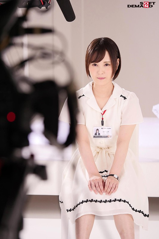 SOD女子社員 処女 浅井心晴 AV出演!! SOD史上1番ガッツに溢れた新入社員 13枚目