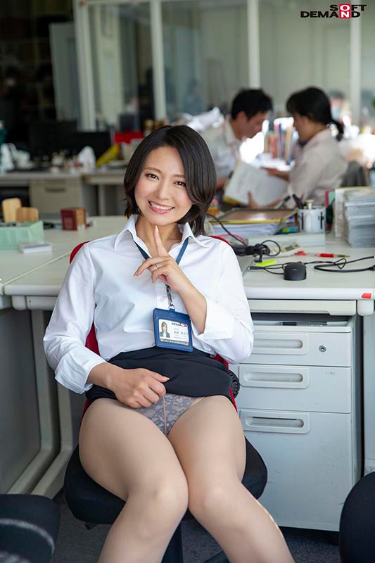 SDJS-055 Studio SOD Create - SOD Female Employees This Inter-Office Couple Is Secretly Hunting For Creampie Sex With The Young Male Employees And Getting Reverse NTR Pleasure A Mid-Career Hire In The Marketing Department In Her 3rd Year Maiko Ayase 47 Years Old big image 2
