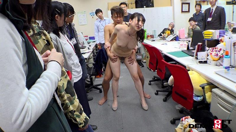 1週間全裸業務で羞恥心を克服!一回りも二回りも成長した吉岡明日海の公開羞恥SEX 17枚目