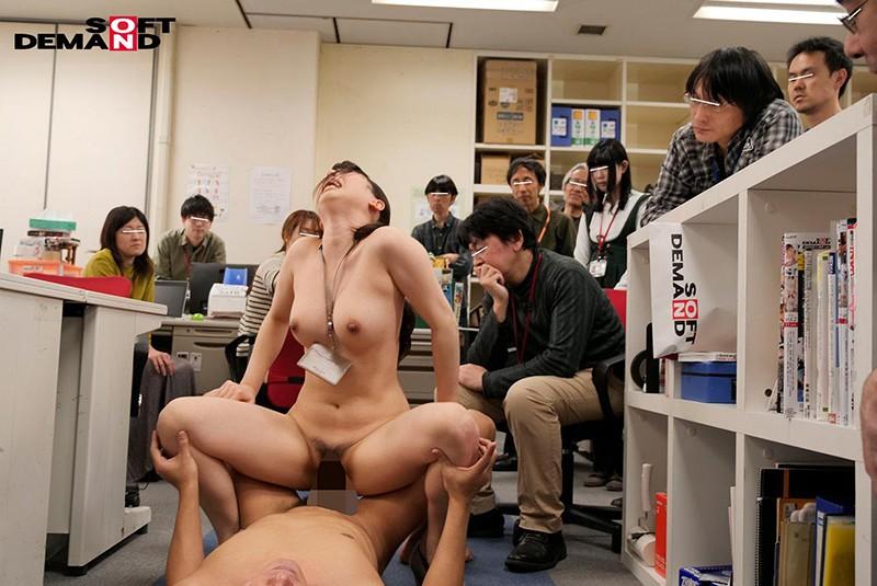 1週間全裸業務で羞恥心を克服!一回りも二回りも成長した吉岡明日海の公開羞恥SEX 2枚目