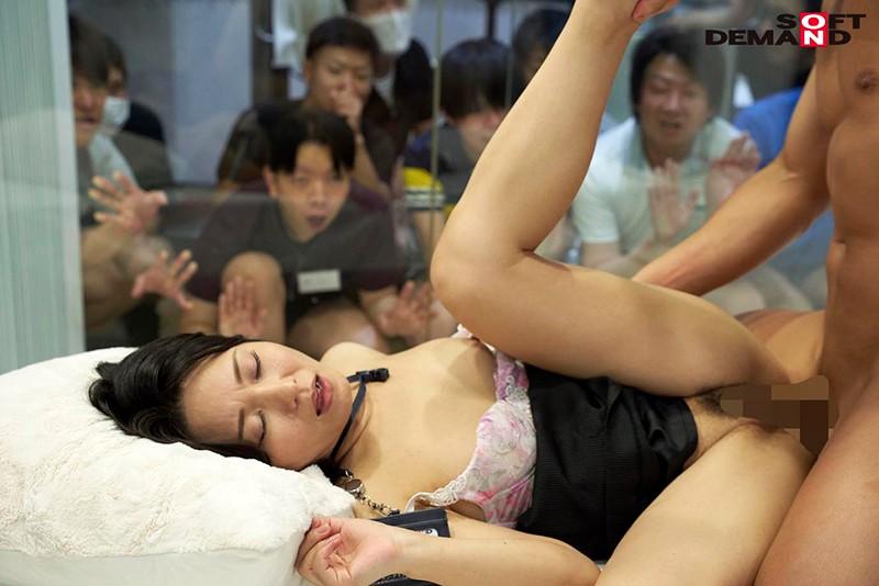 SOD女子社員 綾瀬麻衣子48歳 SOD退社記念 合計33発!人生で最大の大量中出し解禁 社内外で大人気の本物人妻社員が本物ファンを含めた25名の男たちに種付けされてイキ狂った集大成7