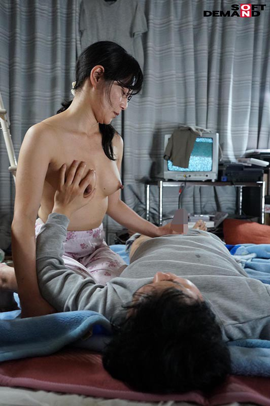 僕は子供部屋おじさんです。母で性欲処理をすませています。桃色かぞくVOL.14 平岡里枝子 4枚目