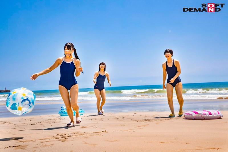 マジックミラー号気温37℃の夏休み!海水浴をしている日焼けがくっきりのスク水美少女が、見知らぬおじさんといたずら混浴体験!成長期の身体を執拗に触られ犯●れて…赤面初絶頂6本番 画像2