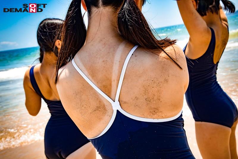 マジックミラー号気温37℃の夏休み!海水浴をしている日焼けがくっきりのスク水美少女が、見知らぬおじさんといたずら混浴体験!成長期の身体を執拗に触られ犯●れて…赤面初絶頂6本番 画像5