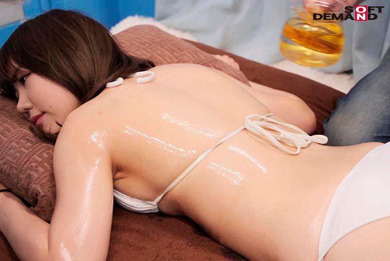 婚姻届けを出したばかりの巨乳新妻さん限定 DEEP乳揉みオイルエステ 敏感乳首をこねくりマッサージで旦那の前で寝取って生中出し12