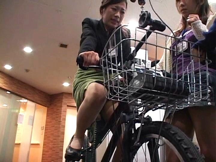 これぞ限界ギリギリの社内羞恥&街中露出!!アクメ自転車を作った伝説のSOD女子社員がイクッ!![1sdms431][1SDMS431] 6
