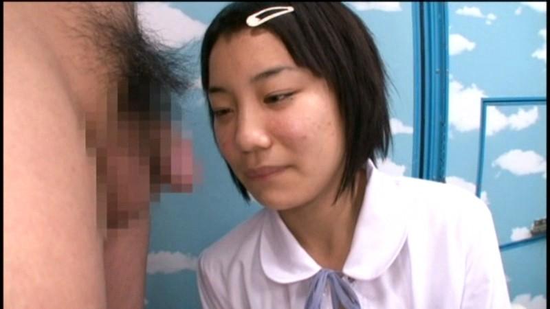 制服姿の女子校生の、羞恥パンチラ無料エロ動画!【女子校生動画】