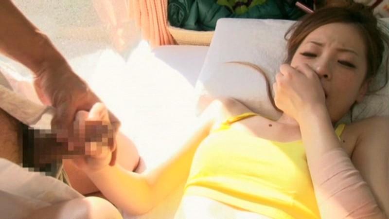 マジックミラー号にて、スレンダーな素人の、中出し寝取られ無料動画。【素人動画】
