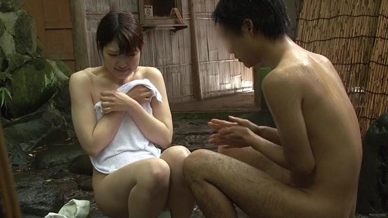 混浴温泉にて、巨乳の美少女素人の、sexイチャイチャ即ハメエロ動画。【羞恥動画】
