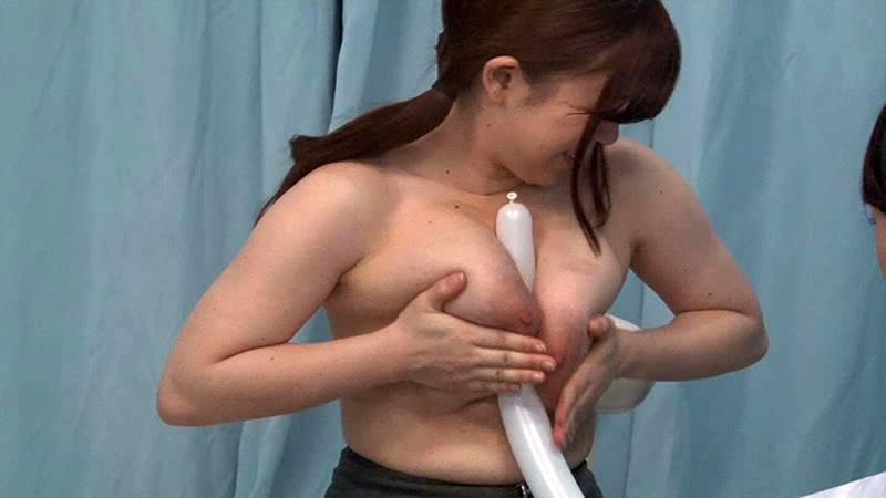 【美女 着エロ】巨乳で美乳の美女OLの着エロ激ピストンフェラプレイが、マジックミラー号で!