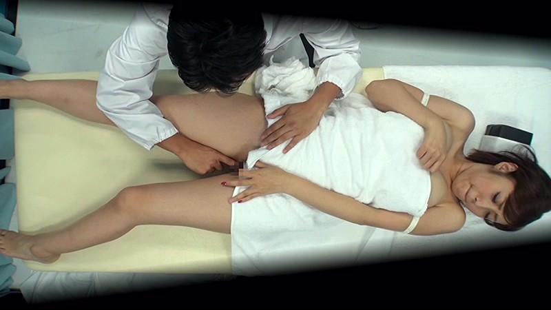マジックミラー号 お昼休みの巨乳OL乳もみ検診 ねっとり揉まれて愛液ダラダラになったオマ○コに激ピストンSEX◆|無料エロ画像8