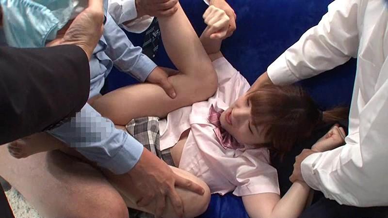 マジックミラー号 10代美少女限定ナンパ!痴●を受けたことのある女の子たちに「痴●対策の方法をお教えします!」が一転!まさかの痴●被害者に?!あどけない女の子をあの手この手で触りまくり!感度をあげて10人中6人挿入成功!|無料エロ画像8