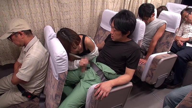 長距離バスで隣に座った綺麗な女性が不幸せそうな男に欲情してチ○ポをむさぼってくる…〜夢の人生大逆転バス!声は出せないけど精子は出す!〜 画像8