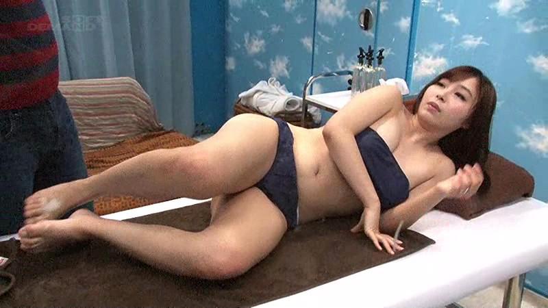 【素人】ムッチムチで爆乳の素人人妻の、寝取られプレイが、マジックミラー号にて…!いい乳してます!
