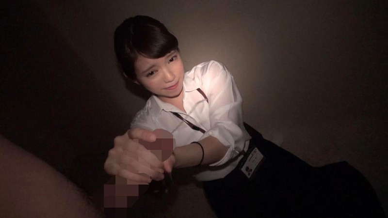 【OL パンチラ】美人なOLの、パンチラ手コキプレイ動画!