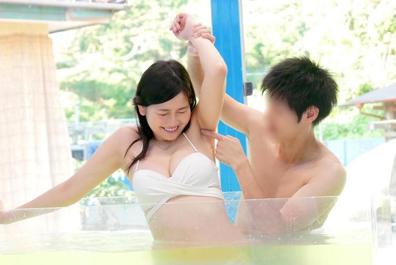 マジックミラー号 女子大生限定! 海水浴場で見つけた初対面男女がミラー号混浴温泉初体験!! お互いの裸を見せ合い素股マッサージで我を忘れた2人は出会ったばっかりなのに生挿入真正中出しまでしてしまうのか!?|無料エロ画像14