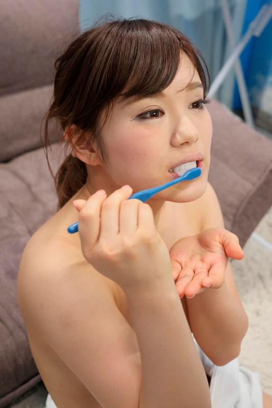 マジックミラー号 歯並びキレイな'歯科衛生士のたまご'限定「チ○ポ汁が歯石除去に効果的!?」初めての'歯磨きフェラ'で精子が泡立つほどのグチュグチュ口内射精!! 無料エロ画像20