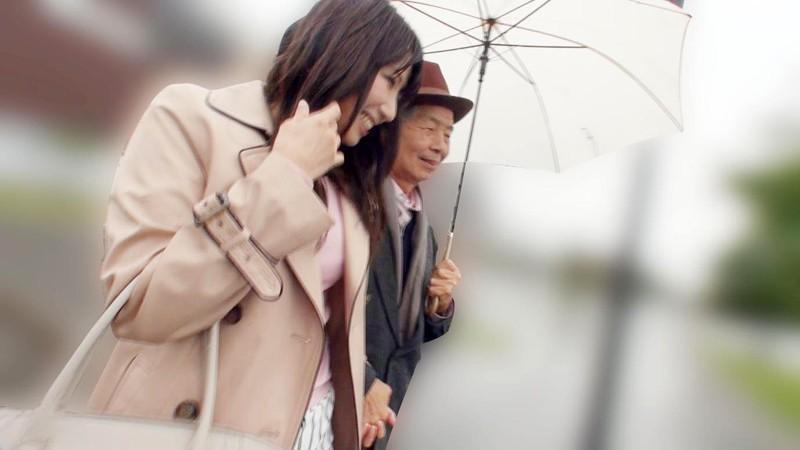 (アール)R68 男68歳にして華やぐ 東京 冷たい雨のある日愛と子宮で包み込むおじいちゃん孝行 加藤あやの 2枚目