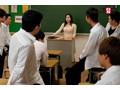 SODロマンス 陵辱の時間 〜産休明けで感度が上がっている女教師は生徒たちに犯され、快楽のあまり腰が止まらなくなる〜 吉川あいみ