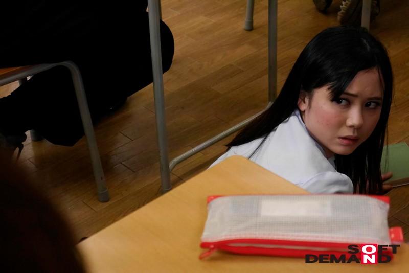 SODロマンス 陵●の時間 〜産休明けで感度が上がっている女教師は生徒たちに犯●れ、快楽のあまり腰が止まらなくなる〜 吉川あいみ3