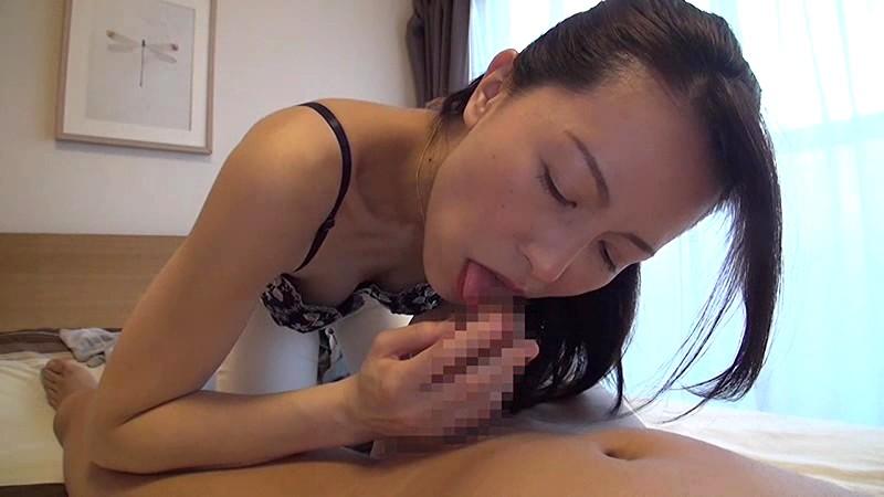 美しく透き通るような白い肌で淫靡な肢体の人妻 井上綾子 44歳 AV Debut 結婚20年目の行動…待ち焦がれた他人棒で自ら腰振る欲情SEX 15枚目