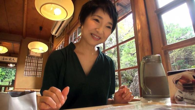 経験人数は主人だけ…本当の快感を求めて上京するはんなり京美人妻 早川りょう 46歳 AV DEBUTサンプルF15