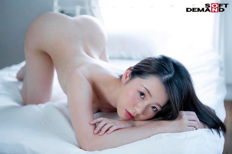 お爺ちゃんお婆ちゃんが大好きで介護士になったニコニコ奥さん 坂井千晴 29歳 AV DEBUT 画像3