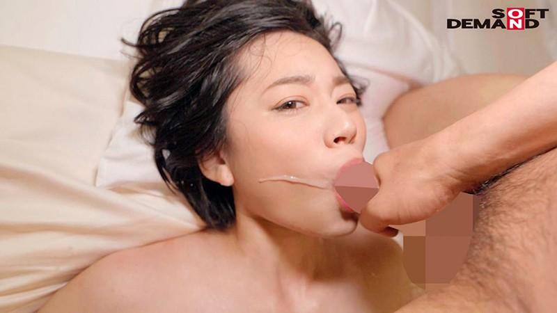 南アルプスの湧き水よりも澄み切った120%天然素材の美人妻 平井栞奈 34歳 第3章 「精子飲みたくて仕方ないんです」一滴残らず他人ザーメンごっくん7発!15