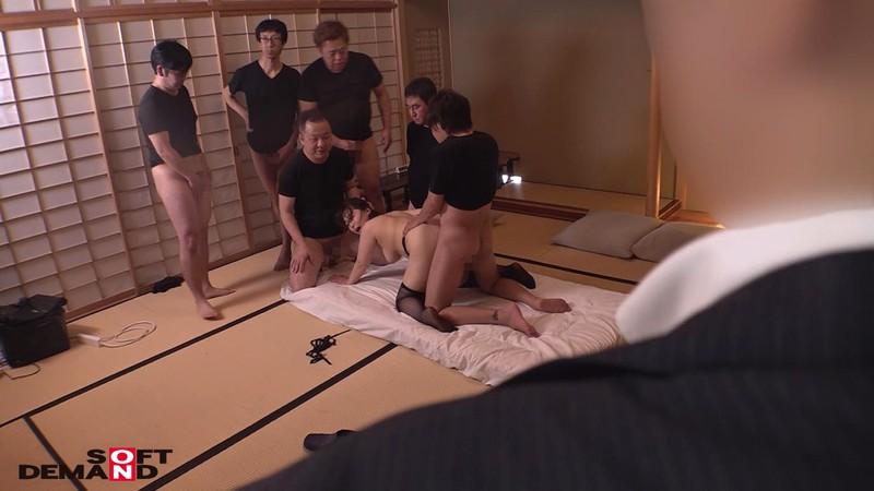 寝取らせ願望のある旦那に従い出演させられた本物シロウト人妻 case10 専業主婦・山田可奈子(仮名)33歳 東京都江東区在住 輪姦中出し了承 主人のためにネトラレます 16枚目