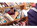 図書館で声も出せず糸引くほど愛液が溢れ出す敏感娘 教師に机の下でイカされた黒髪J○