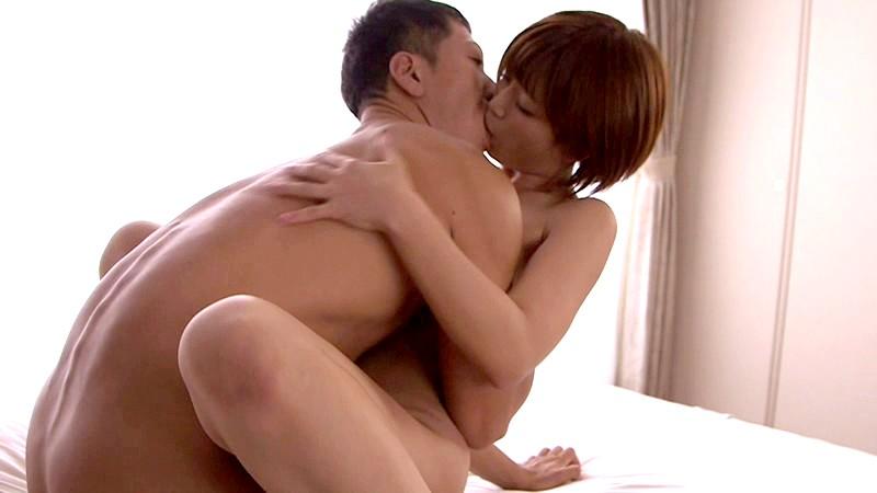 20歳、性欲、覚醒 絡み合う濃厚キスで溢れる肉欲 紗倉まな 19枚目