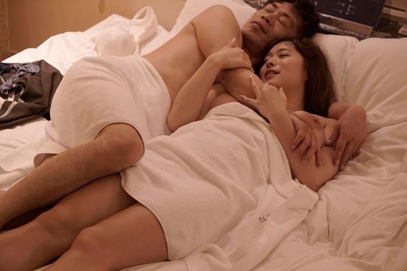 白石茉莉奈 寂しさ募って… バツあり男女の貪り求め合うねっとり生々しい密着交尾 激しく絡み合う粘着性交 サンプル画像 15