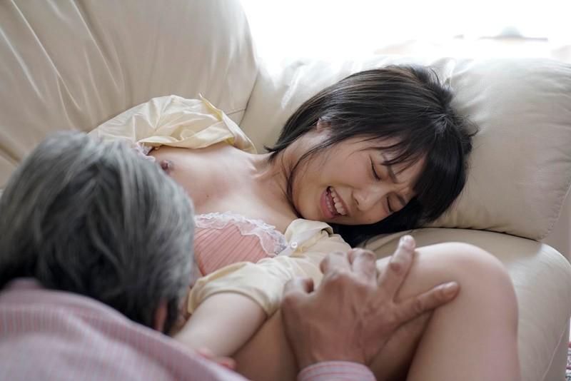 戸田真琴 近親レイプから始まった不貞の愛 平和な家庭のホームビデオにRECされた義父の悪戯 5枚目