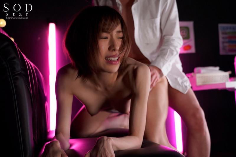 アイドルハンターにピンサロバイトをネタに脅され輪姦されても心だけは屈しなかったアイドル 七海ティナ 3枚目