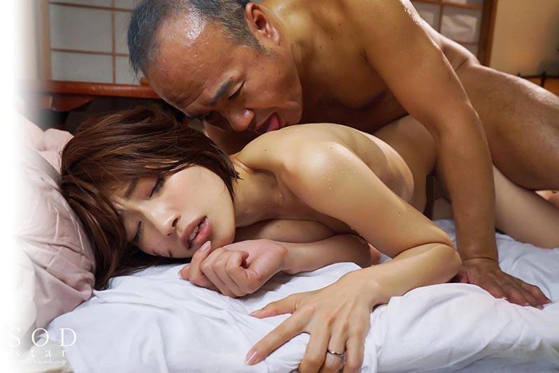 「お義父さんやめてください…」夫に言えない義父との姦淫 中年オヤジとのねっとり変態セックスに溺れる若妻 市川まさみ 19枚目