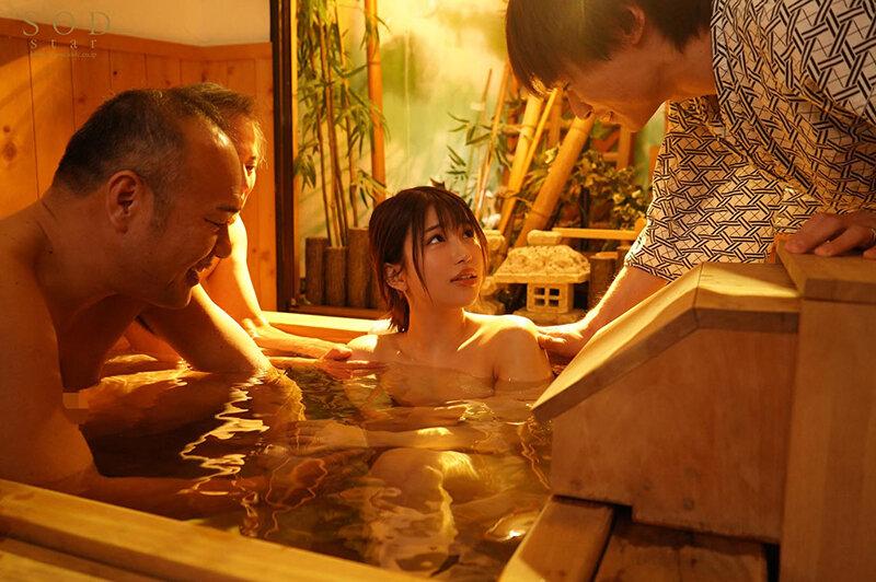混浴社員旅行NTR 温泉好きな会社の先輩たちと、貸切家族風呂に行ったら僕の妻が滅茶苦茶に犯●れてしまいました…。 唯井まひろ 画像17