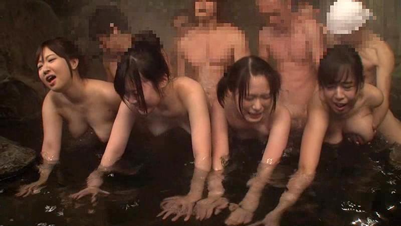 男女が媚薬を飲んで大乱交SEXを楽しむ最近話題の温泉混浴サークルに行ってきました!10名全員セックス!!5