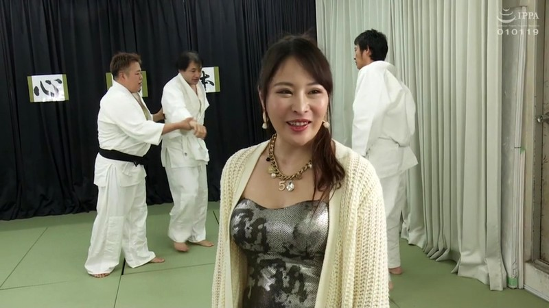 SVDVD-782 Studio Sadistic Village - Mom of one child with big breasts is a judo taker who won the prefectural tournament! Outer mowing was too serious! When I lost, I tried a game of vaginal cum shot! Honda Kaori - big image 1