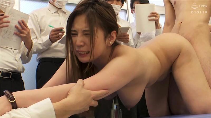 羞恥 新任女教師が学習教材にされる男子校の性教育 生徒の目の前で無遠慮な指が膣に挿入される!プライドは崩壊するが、子宮の奥から愛液があふれ出る55