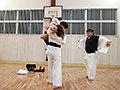[SVDVD-883] 薙刀術三段全日本3位!素人麗しママが息子の私立小学校の為にAVデビュー!その強さに惨敗し、キレた野獣三兄弟が中出し3発×顔射3発の無残レ●プ! 橘奏海