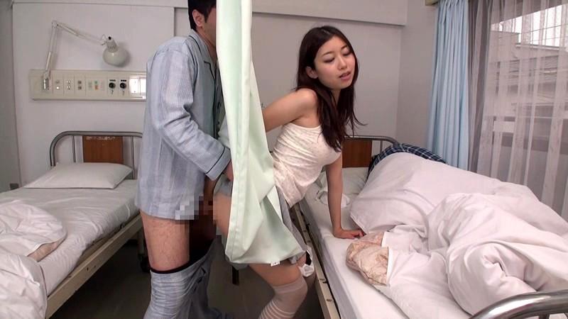 病院にて、スレンダーな美尻でミニスカの美少女痴女の、寝取られセックス痴漢無料エロ動画。【パンチラ動画】